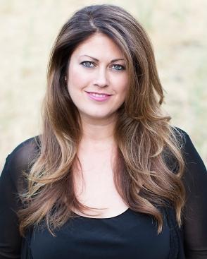 Jennifer Lothrigel headshot